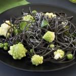 Espaguettis negros con verduras