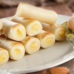 Huesos de Santo rellenos de dulce de yema