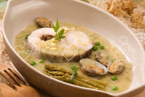 receta Thermomix TM5 TM31 merluza en salsa verde con guisante y esparragos