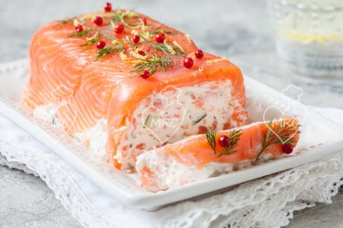 tarrina de salmon ahumado con queso