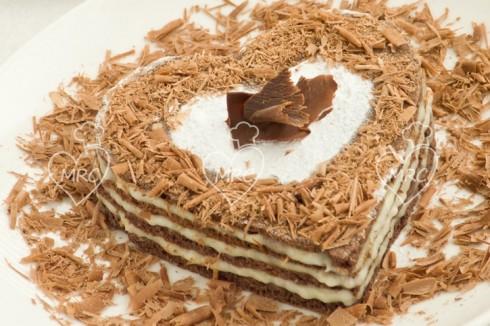 tarta de san valentin con crema pastelera