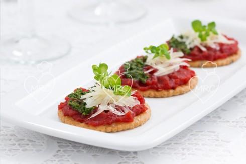 tosta de pate con remolacha pesto de albahaca y parmesano preparado con Thermomix TM5 TM31