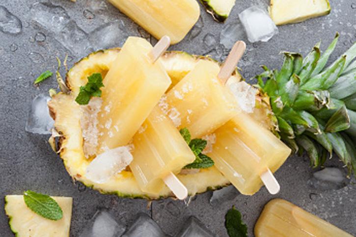 Sigue la receta guiada de helado de hielo de piña con thermomix