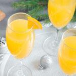 Cóctel mimosa con licor Carmeleta