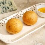 Croquetas de queso cabrales y salsa de membrillo
