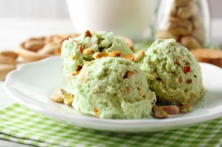 helado de pistacho sin colorantes preparado con thermomix