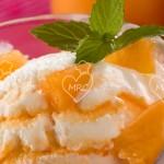 Helado de yogur y albaricoques