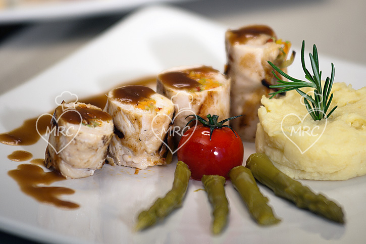 receta Thermomix TM5 TM31 pechuga de pavo rellena de verduras y salsa de pedro Ximenes al vapor