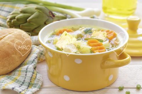sopa de verduras y alcachofa