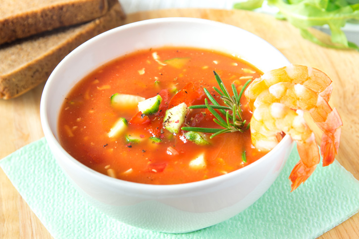 cocinar con thermomix sopa de tomate con langostinos