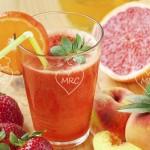 Zumo rojo de frutas